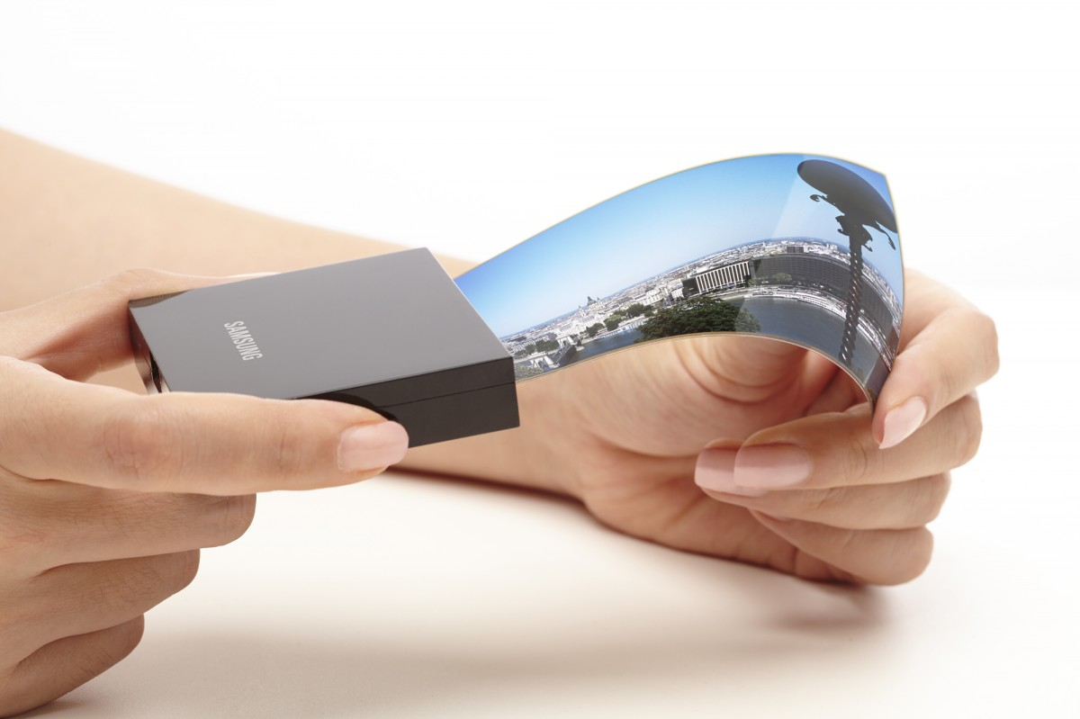 Samsung to Mass Produce Foldable Displays for Google, Xiaomi, Vivo Soon