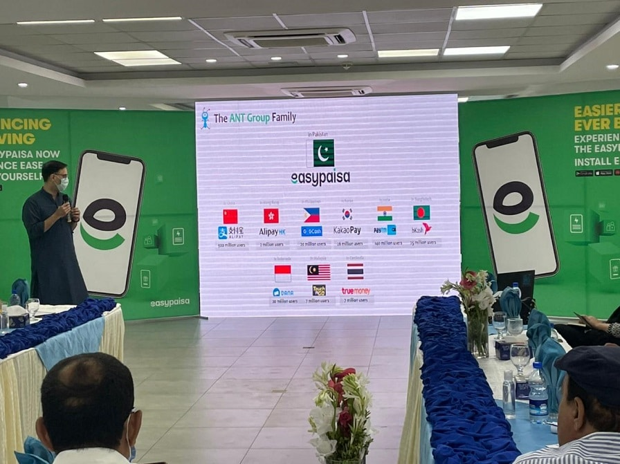 Easypaisa Team Holds App Experience Session for Journalists in Islamabad