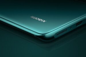 Xiaomi 12 Could Have a Ceramic Body and Snapdragon 898